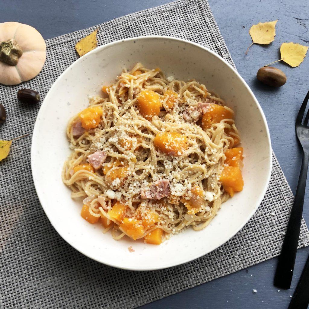 one pot pasta butternut champignon bacon - cuisine express